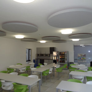 With ABSOPANEL sound absorbing panels, Sempatap improves the acoustic comfort of dining rooms and company canteens.